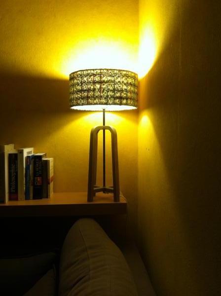 Donegal lampenkap en Anderson tafellamp; perfecte combinatie in mijn woonkamer: Zachte verlichting, origineel! Prachtige producten van kwaliteit.